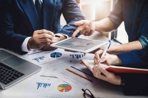 Why You Need A Commercial Lawyer If You Are Selling A Business